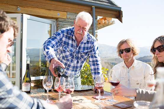 Wanaka Wine Tours Classic full day wine tasting tour with friends Central Otago New Zealand